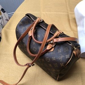 AUTHENTIC LOUIS VUITTON SPEEDY 30 w/ STRAP & LOCK